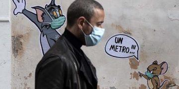 Pandemia distanciamiento social grafiti