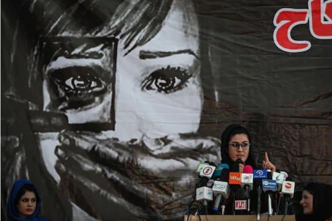 Mujeres afganas contra violación DDHH