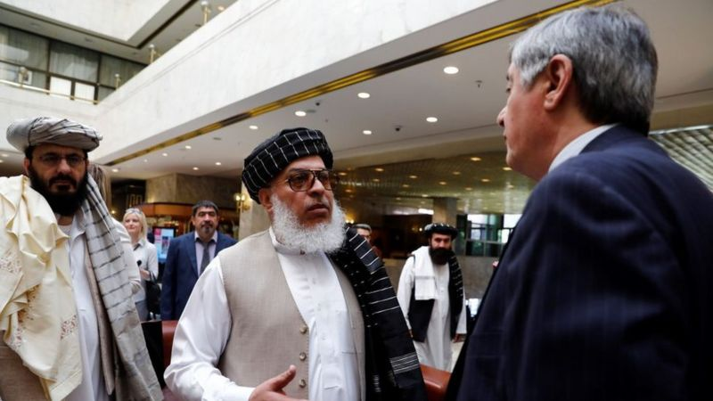 Afganistán talibanes y representantes ruso