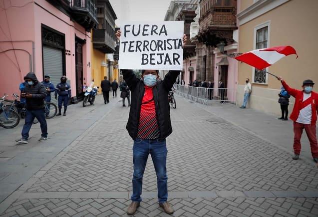 Perú protestas contra Héctor Bejar
