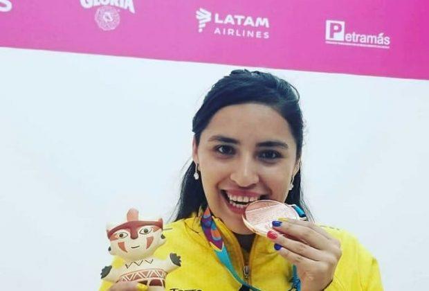 Adriana Riveros, jugadora boliviana de raquet