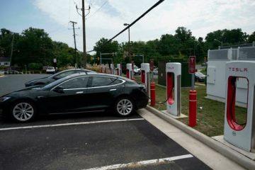 Coche eléctricos. distribuidor Tesla