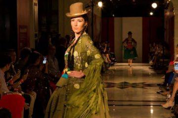 Desfile de moda. Chola boliviana