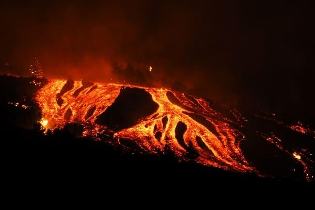 Volcan La Palma en erupción